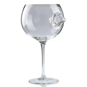ice cube gin glass