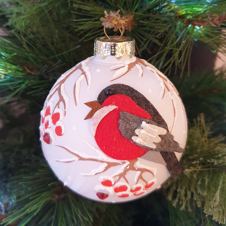felt-robin-decoration